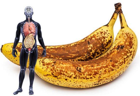 Die dunkle Banane - das Wunderobst